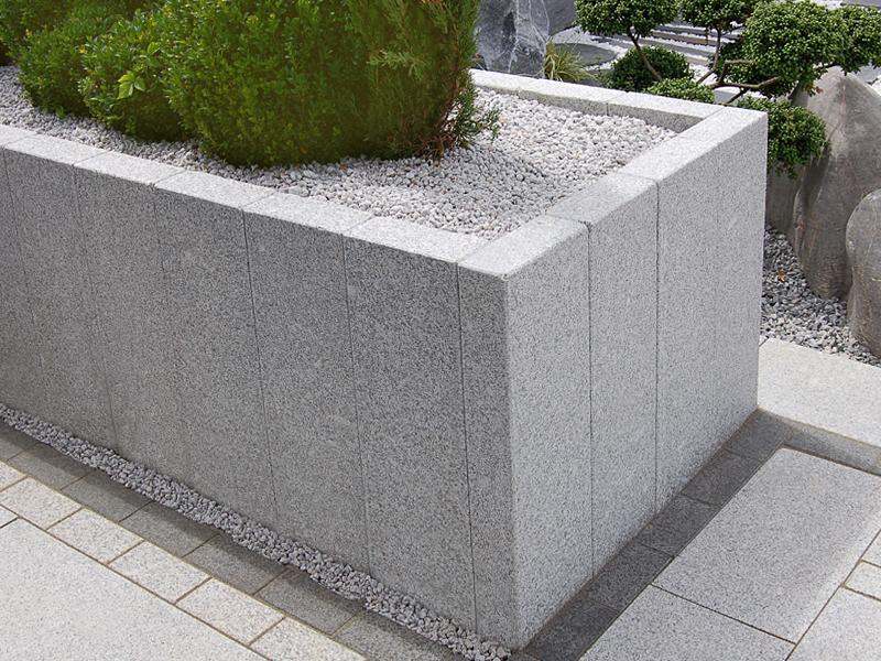 Granit Stelen