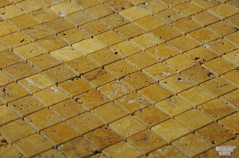 Travertin Yellow geb�rstet Mosaik 2x2x1 cm gelb