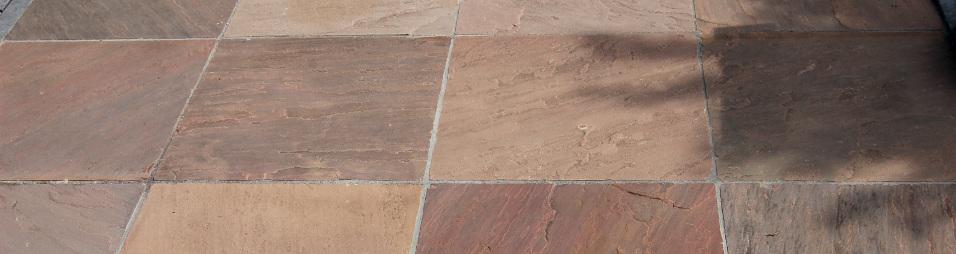 Mehrfarbige Sandsteinplatten aus Modak